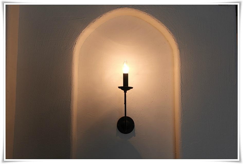 촛불같은 모양의 전등