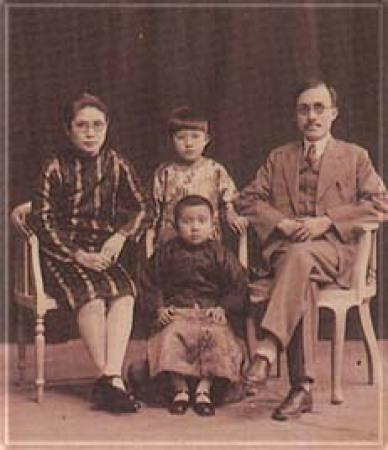 손중산: 유부남을 사랑해 자식까지 낳은 딸을 강제로 떼어놓다.