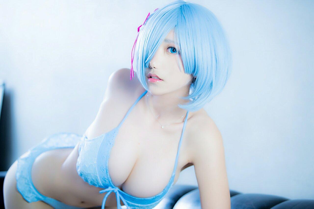 hot Japanese cosplay girl