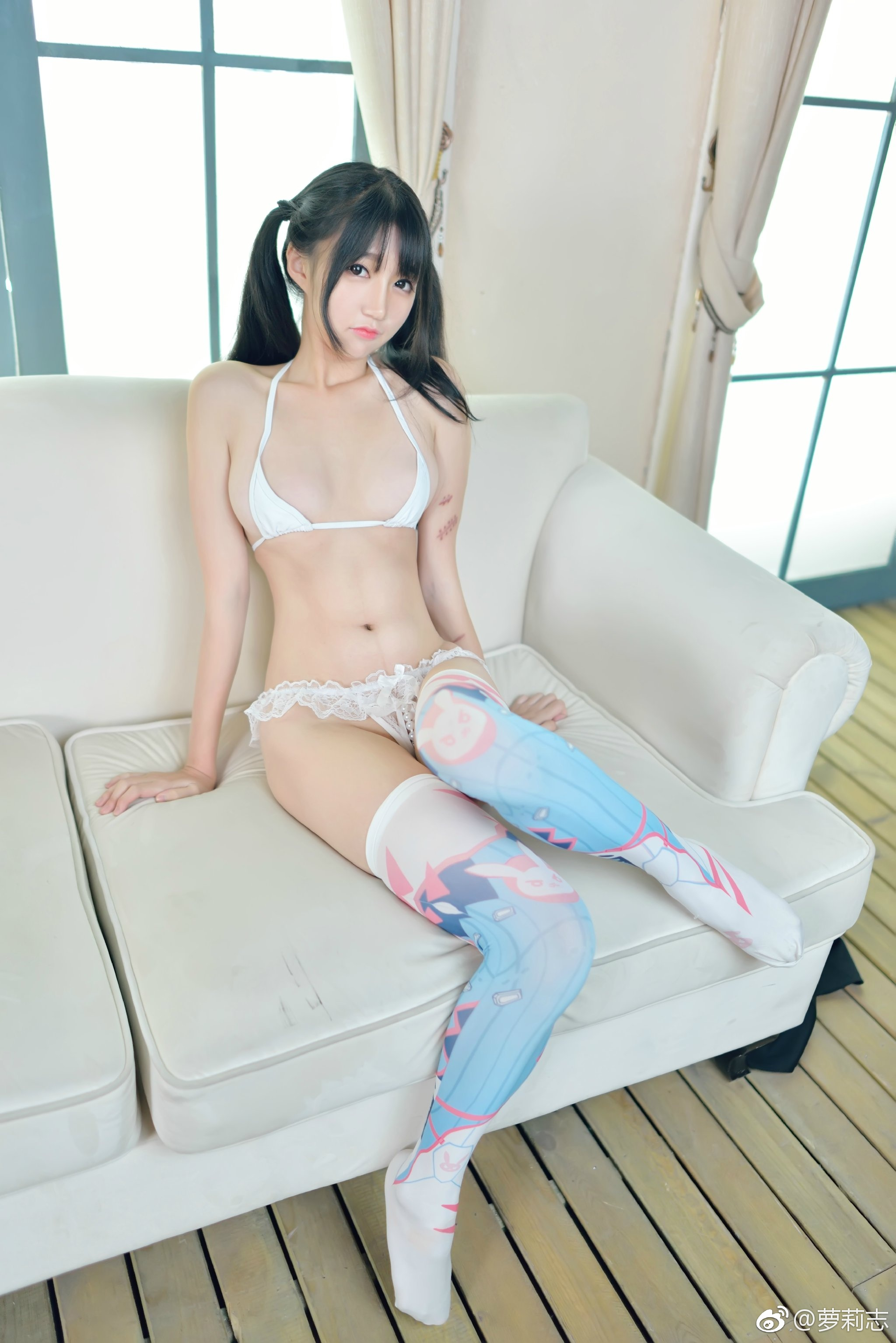 cute cosplay girl
