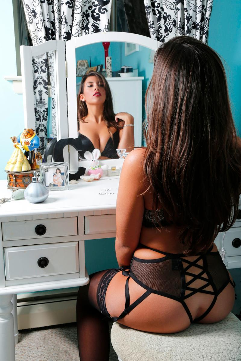hot lingerie girl's back